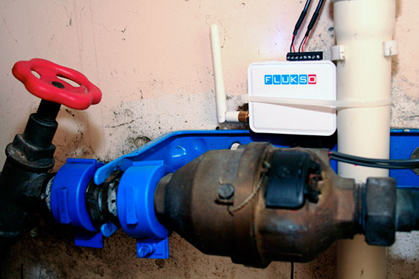 Water metering with a hall switch